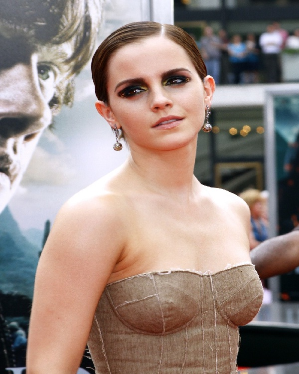 "Emma Watson Says ""Teach Me""-15 Celebrities And Their Bizarre Addictions"