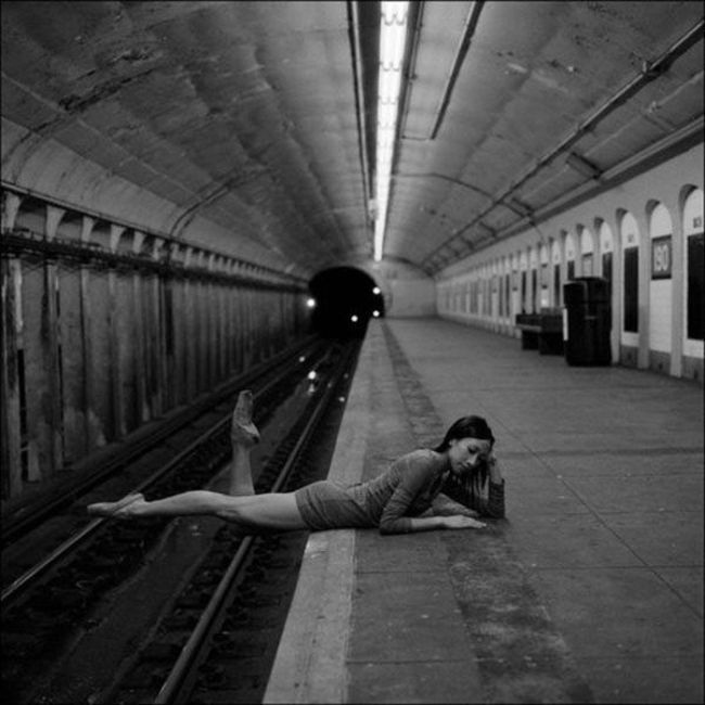 Watch Out For Trains-Pics Of Girls Doing Insane Things