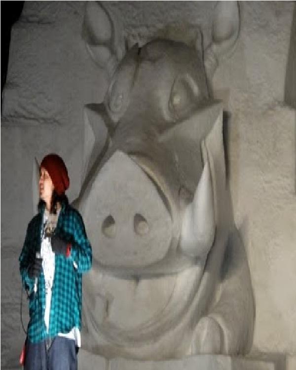 Pumbaa-Disney Snow Sculptures