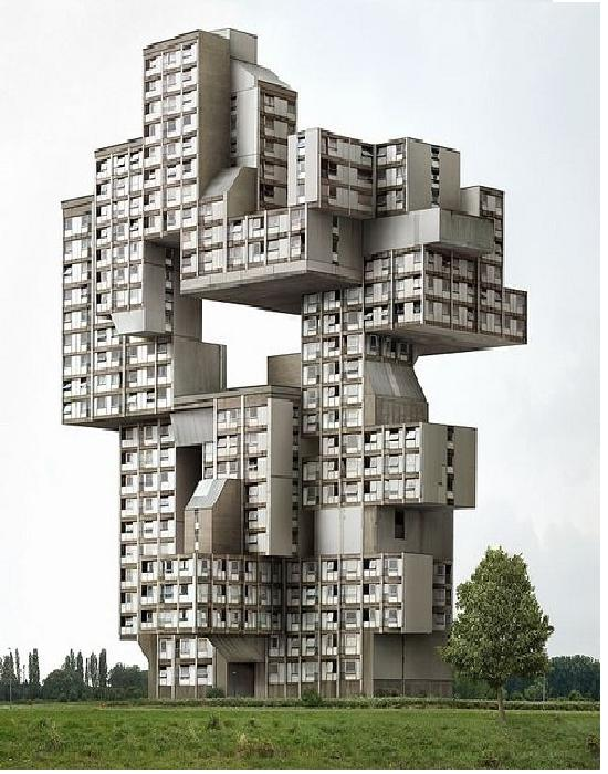 Cubism Gone Mad-Weirdest Houses In The World