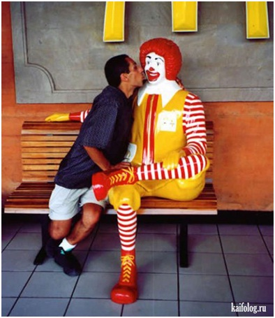 Ronald McDonald Got Attention from Men Too-Sad Reality Of Ronald McDonald