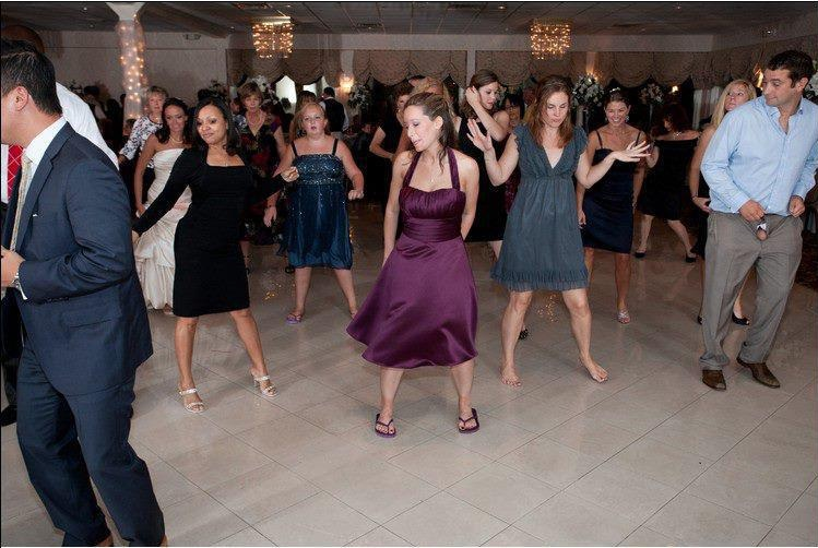 Dancing at the wedding-Find Out What's Wrong With These Pics