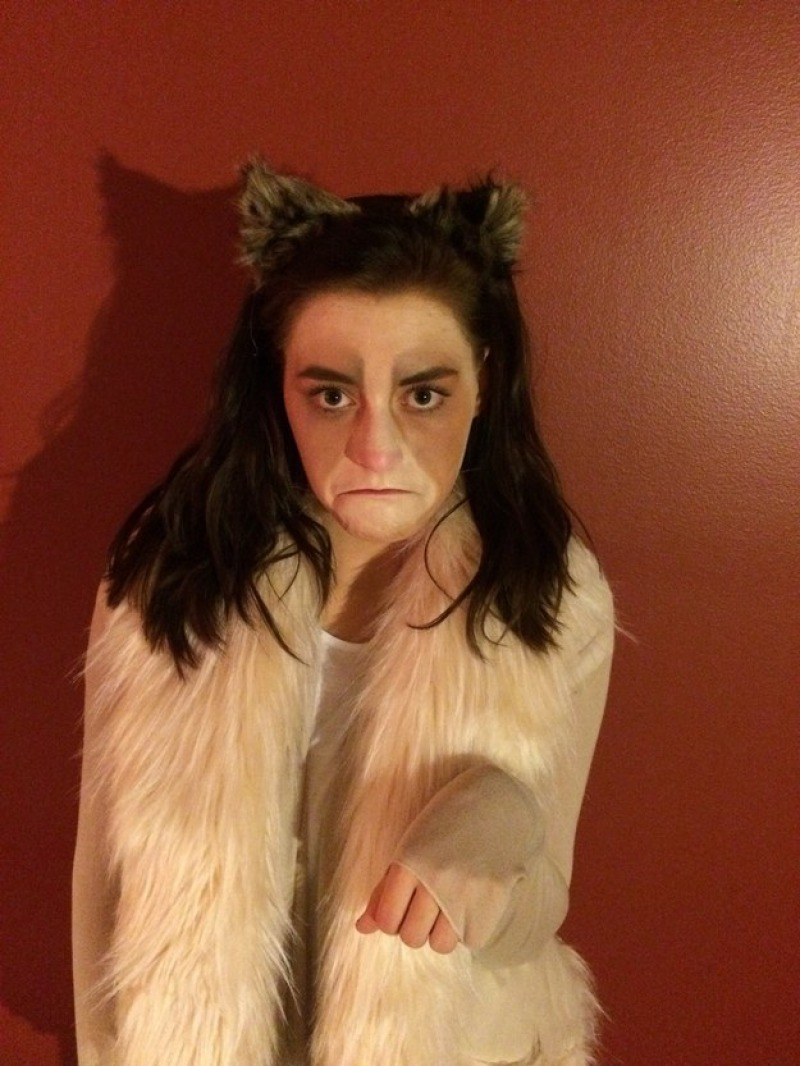 Grumpy Cat Halloween Costume-Simple Halloween Costumes You Can Make Within A Day