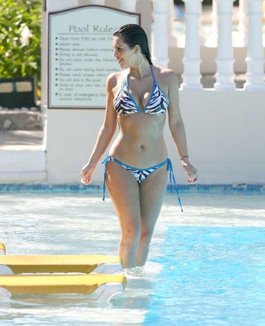 Kim Kardashian-12 Hottest Bikini Pictures Of Popular Celebrities