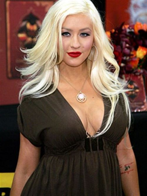 Christina Aguilera-Shortest Musicians Ever