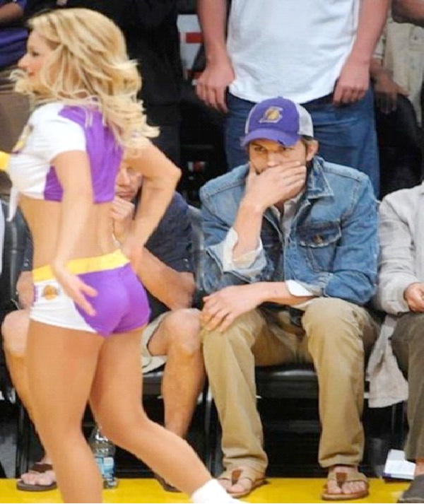 Cheerleader Butt-12 Hilarious Caught Staring Pictures Ever