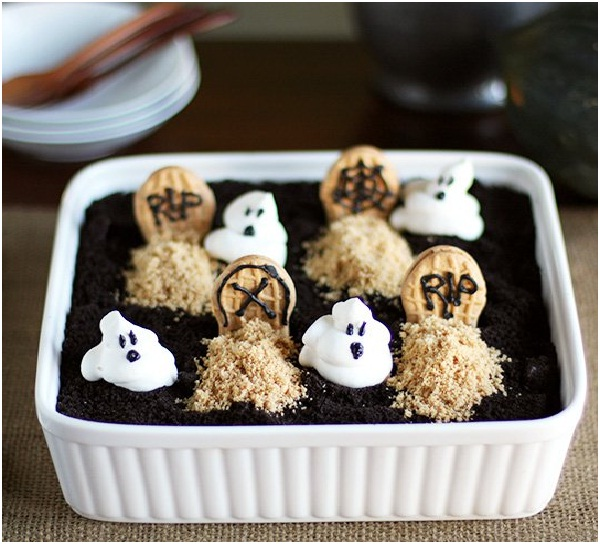 Peanut Butter Chocolate Graveyard Dirt Cake-Delicious Halloween Recipes