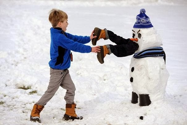 A hungry snowman-Craziest Snowmen Ever