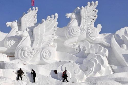 Magnificent-Most Amazing Snow Sculptures