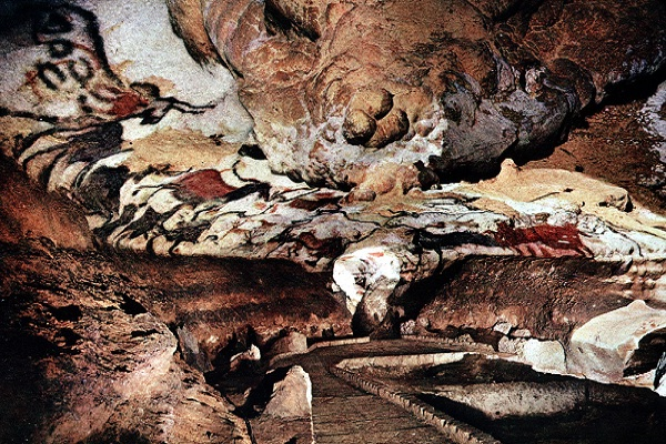 Lascaux caves-Cool Places You Are Not Allowed To Visit