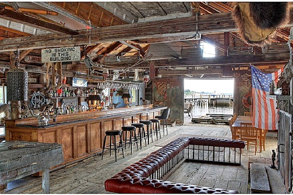 Old Barn-Awesome Man Caves