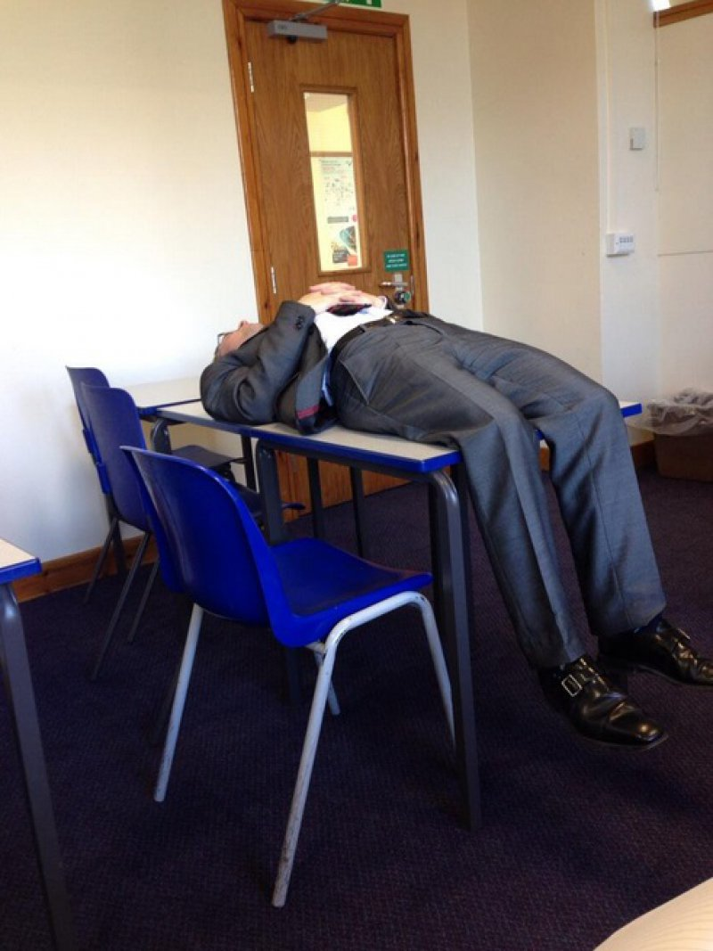He Gave up-15 Teachers Who Are Tired Of Annoying Students