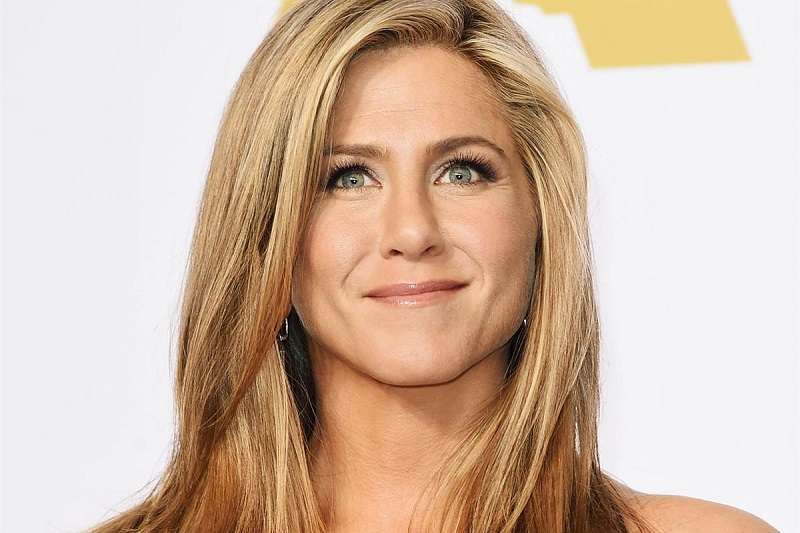 Jennifer Aniston-12 Best Female Celebrity Smiles Ever