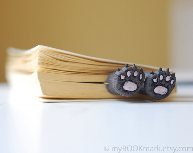 Kitty Paws Bookmark-15 Bookmarks You Must Have If You Are A Bookworm