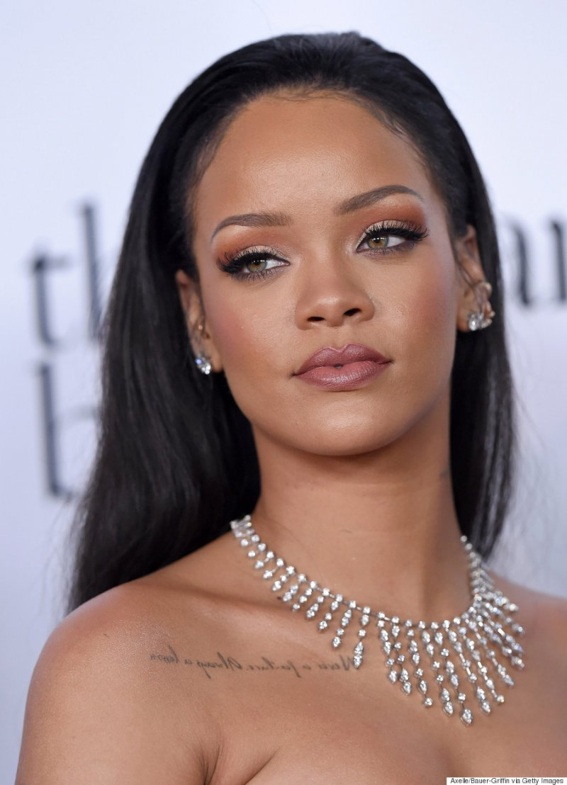 Rihanna-15 Hottest Girls Who Turned Down Playboy Offer