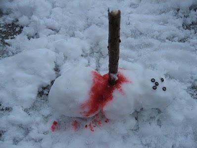 Poor snowman-Craziest Snowmen Ever