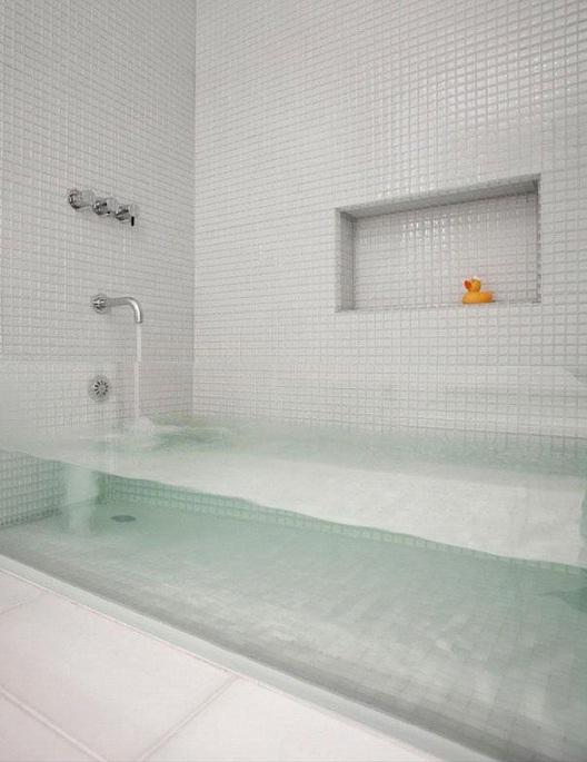 See Through Bath Tub-Awesome Home Interior Designs Ever