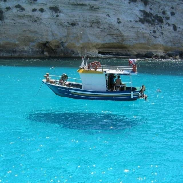 No, Not a Levitating Boat-15 Images That Look Fake, But Are Actually True