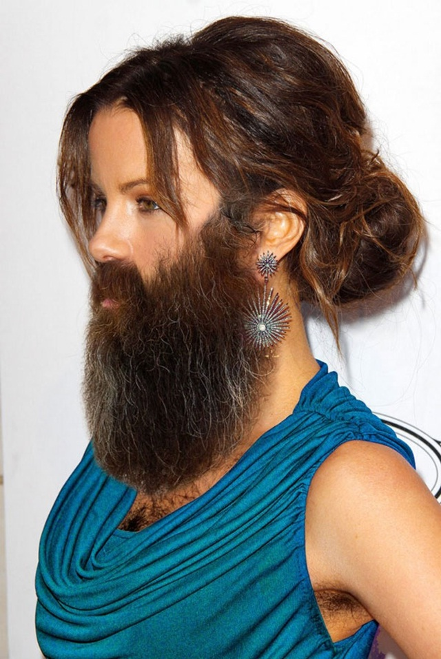 Kate Beckinsale-24 Hilarious Female Celebrities With Beard Photos