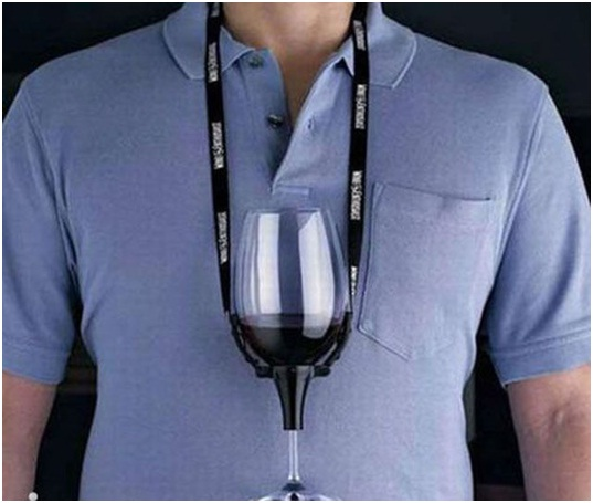 Wine Necklace-36 Strangest Gadgets That You Can Buy