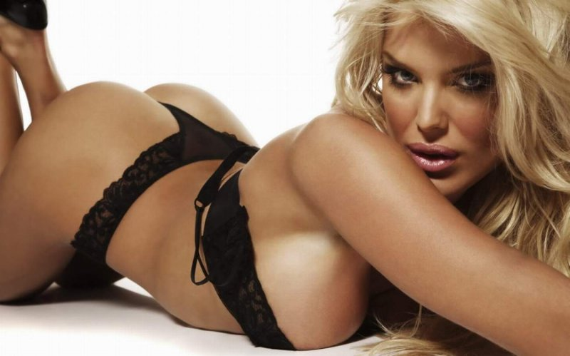 Victoria Silvstedt-12 Hottest Swedish Actresses You Probably Don't Know About