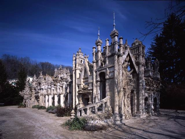 Ideal Palace, France-World's Craziest Buildings