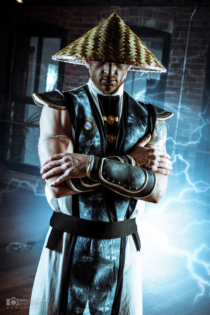 Raiden-Best Mortal Kombat Cosplays
