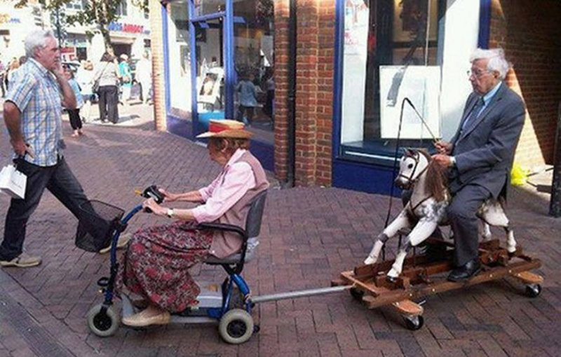 They See me Rollin, They Hatin-15 Amazing Old Couples That Show Love Never Gets Old