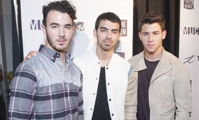 The Jonas Brothers-15 Popular Disney Channel Stars Then And Now