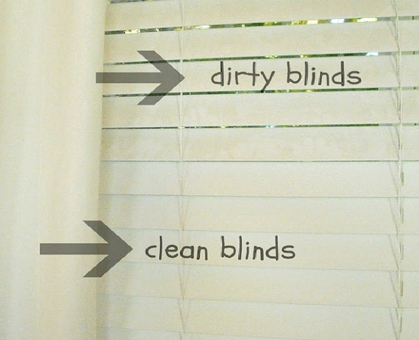 Use Vinegar On Dirty Blinds-Amazing Household Cleaning Hacks