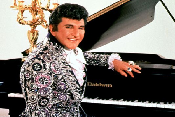Liberace - Much Loved Entertainer-Celebrities Who Died Of AIDS