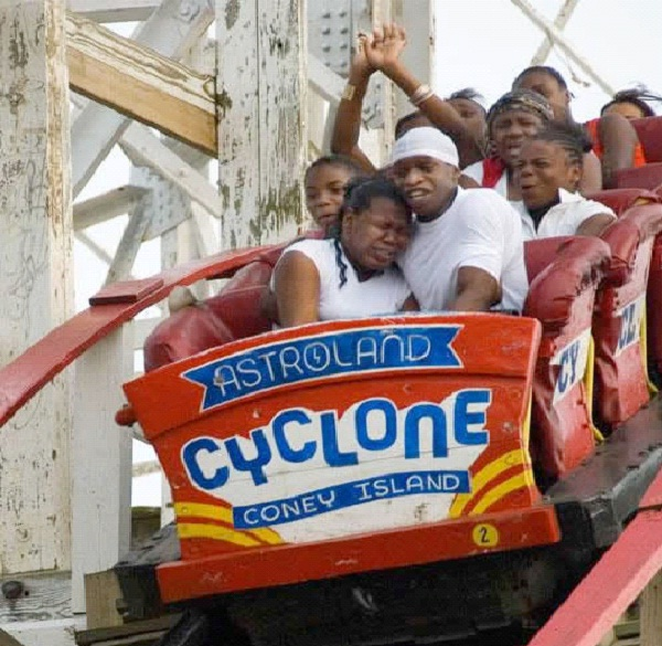 Crying-12 Funniest Rollercoaster Pictures