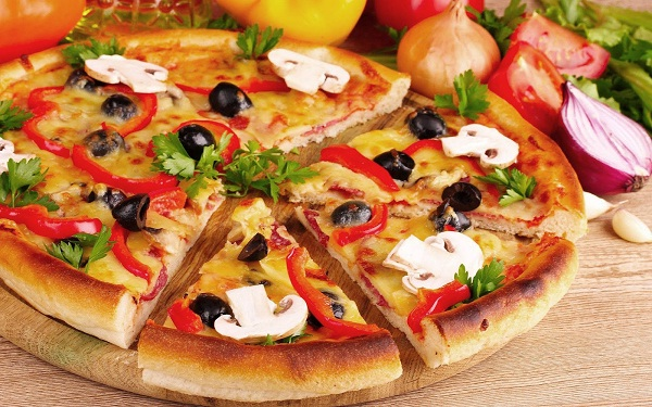 Pizza-Most Loved Foods In The World