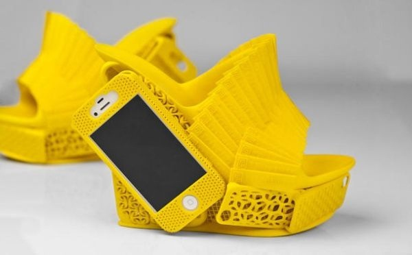 The shoe holder-More Of Ridiculous IPhone Cases