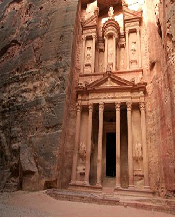 Petra-Amazing Mountain Carvings