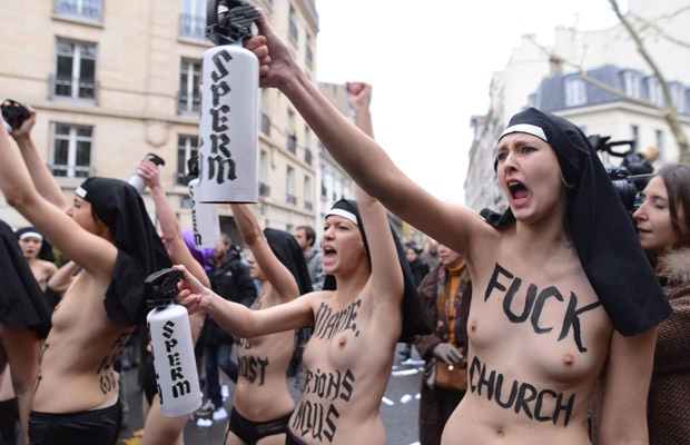 Nude Protesting-12 Bizarre Naked Events Ever