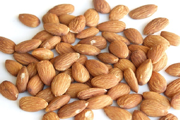 Almonds-Foods That Help Building Blood