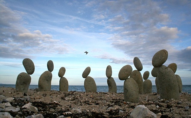 They look like rabbits-Amazing Balanced Stones In The World
