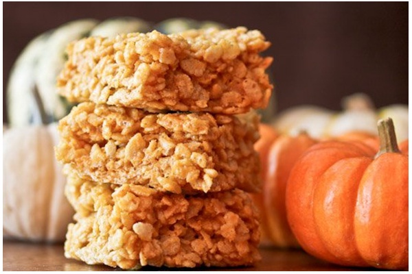 Pumpkin Spice Rice Krispie Treats-Delicious Halloween Recipes