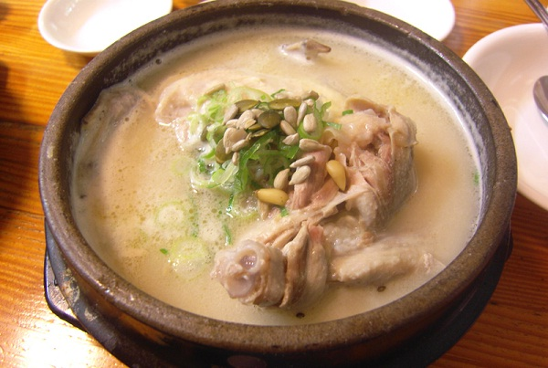 Ginseng chicken soup-Korean Foods You Should Try