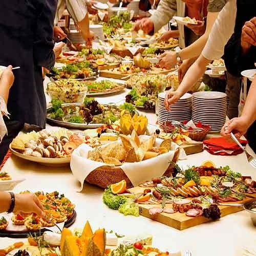 When do we get to eat?-Things You Think About At A Wedding
