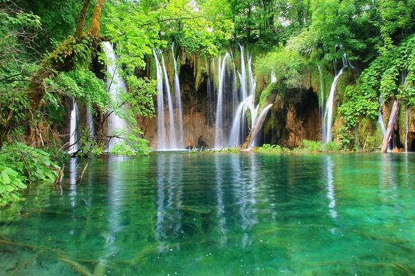 Plitvice, Croatia-Most Amazing Lakes On Earth