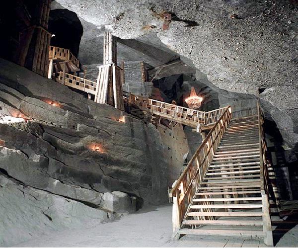 Wieliczka Salt Mine - Krakow, Poland-Unusual And Unbelievable Underground Places