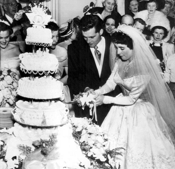 Elizabeth Taylor-12 Shortest Celebrity Marriages Ever