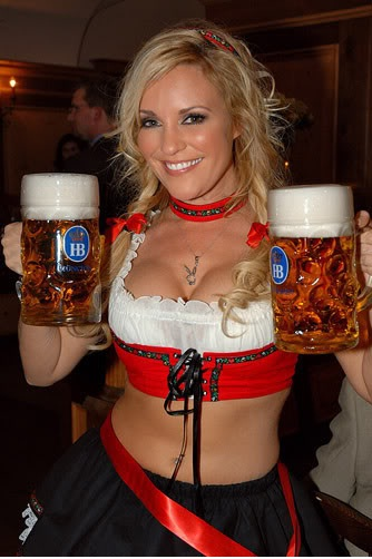 "The beer is on her-Best ""Girls With Beer"" Photos"