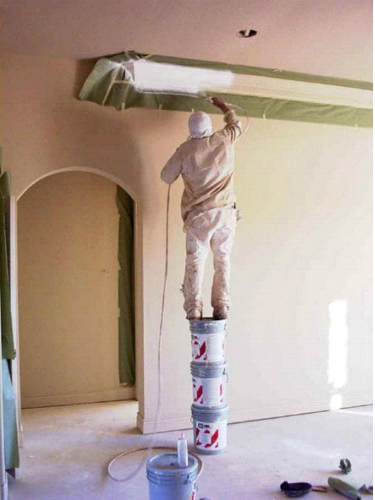 Bucket Ladder-Photos Of Men Being Literally Too Stupid