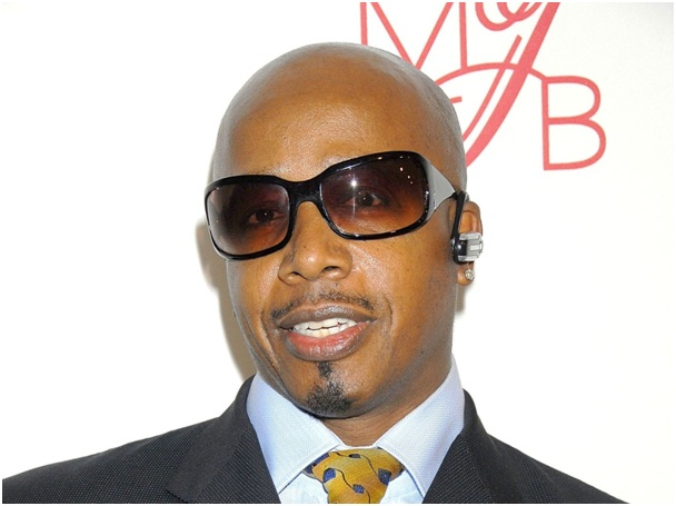 MC Hammer-Celebrities Who Are Twitter Addicts