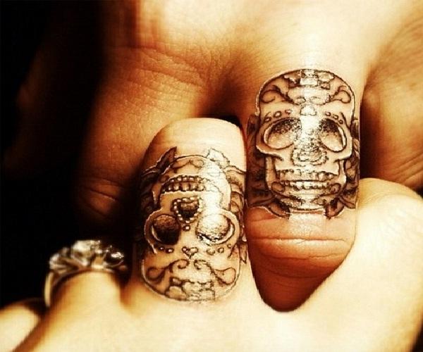 Skulls-Cool Wedding Ring Tattoos