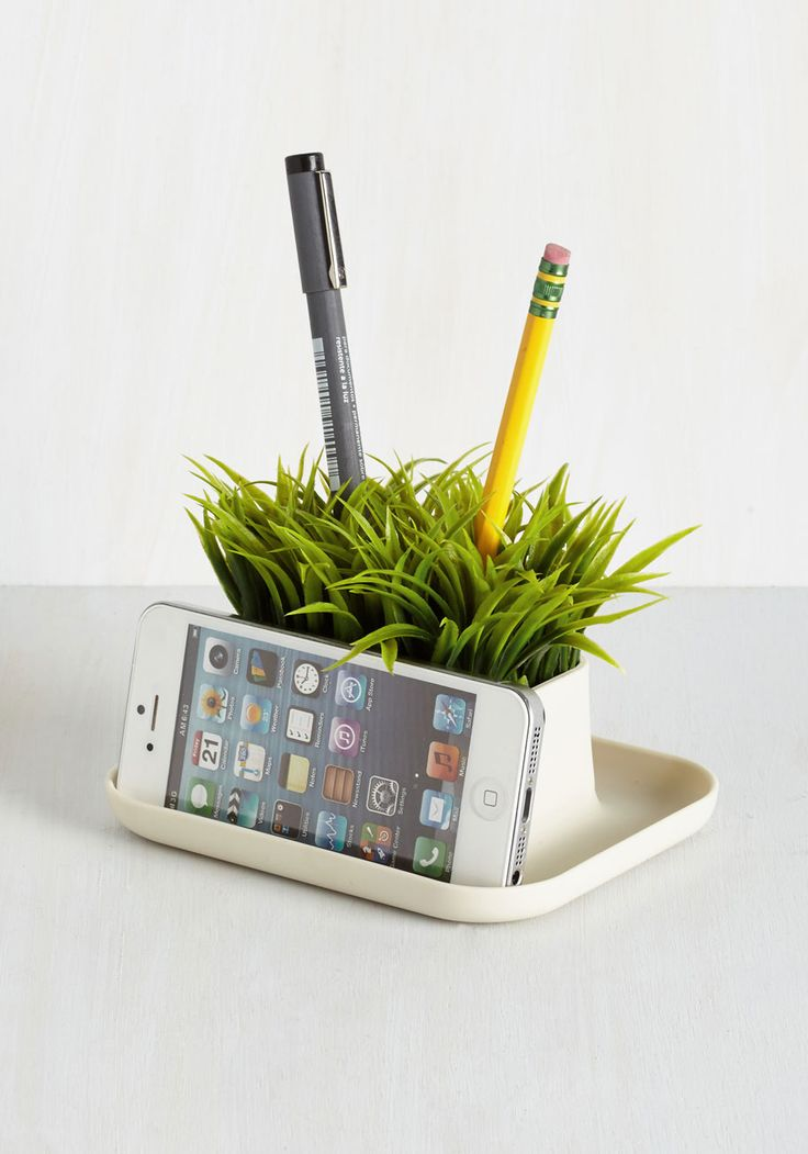 15 cute desk accessories for your office for Cute desk