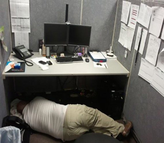 F*ck this S*it, I'm Out!-15 People Who Were Caught Taking A Quick Nap At Work